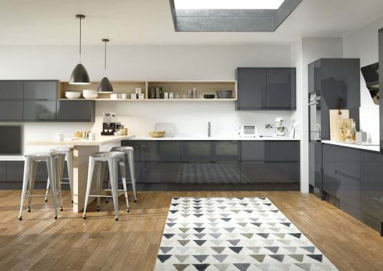 Sheraton In-Line Gloss kitchen