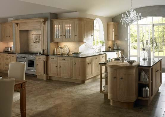 Traditional wooden Lissa Oak kitchen