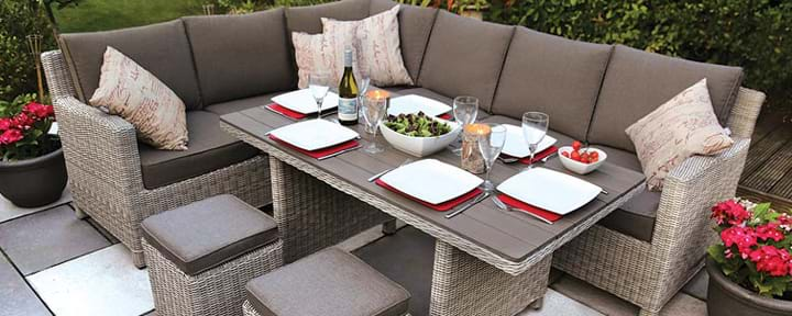 Lounge Sets & Casual Dining