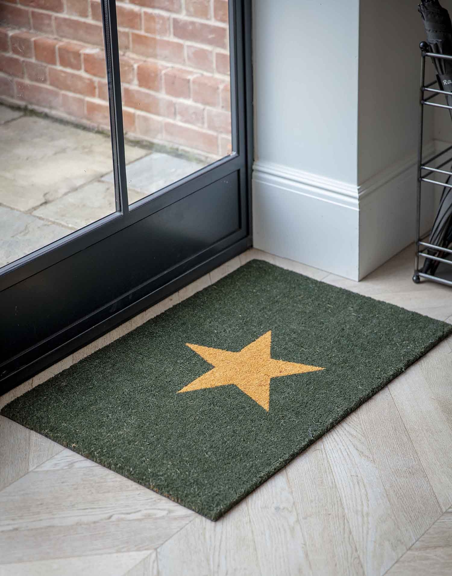 Image of Garden Trading Large Star Doormat, Forest Green