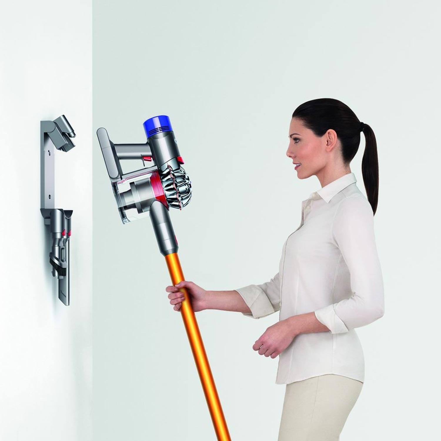 dyson v8 absolute cordless vacuum cleaner leekes. Black Bedroom Furniture Sets. Home Design Ideas