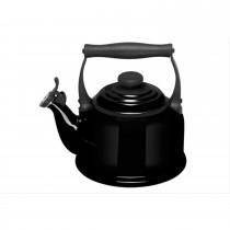 Le Creuset Traditional Kettle, Black