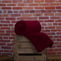 Deyongs Snuggle Touch Throw,140x180cm, New Crimson