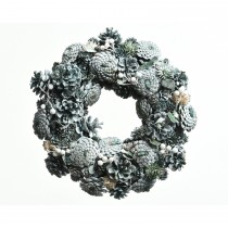 Pinecone Wreath With Berries, Green