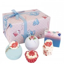 Bomb Cosmetics Time For Tea Bath Gift Set